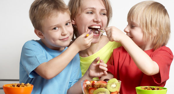 GET YOUR KIDS TO EAT MORE FRUIT!